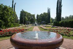 Kultarannan puutarha | Naantalin virallinen matkailusivusto Sundial, Finland, Sunnuntai, Fountain, Tourism, Outdoor Decor, Turismo, Water Fountains, Travel