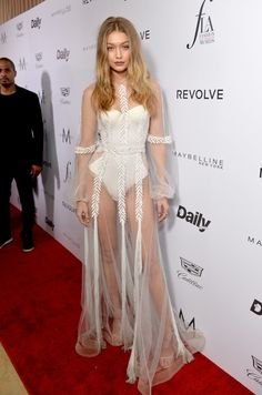 Hadid's Naked Dress Is So Romantic, It's Fit For the White Swan Gigi Hadid rocked a romantic naked dress on the red carpet.Gigi Hadid rocked a romantic naked dress on the red carpet. Gigi Hadid Looks, Gigi Hadid Nude, Style Gigi Hadid, Bella Gigi Hadid, Gigi Hadid 2017, Young Gigi Hadid, Gigi Hadid Dresses, Gigi Hadid Outfits, Gigi Dress