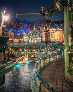 "hokuto on Instagram: ""Mysterious Island@TDS * * 隙間にぎゅぎゅっと詰め込んだミステリアスアイランド 久しぶりの夜景撮りは新しい構図を見つけて楽しかった! * * #東京ディズニーシー #ディズニーシー #東京ディズニーリゾート #美しきTDSの風景 #ディズニー風景…"" Tokyo Disney Sea, Tokyo Disney Resort, Tokyo Disneyland, Disney Resorts, Disney Parks, Disney Pixar, Fantasy City, Fantasy World, Park Photos"