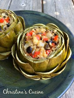 Garlic and olive oil steamed artichokes are stuffed with a mushroom pepper and black olive bread stuffing. Serve as a main dish. Side Recipes, Lunch Recipes, Vegan Recipes, Cooking Recipes, Copycat Recipes, Stuffed Artichokes, Stuffed Mushrooms, Stuffed Peppers, Vegetable Dishes