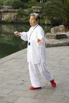 How to Practice Qi Gong Although the practice of personal health care with breath and energy dates back to pre-historic China, the term qigong, pronounced 'chee gong,' was created in […] Qi Gong, Tai Chi Moves, Tai Chi Exercise, Beginner Exercise, Tai Chi For Beginners, Tai Chi Qigong, Low Impact Workout, Senior Fitness, Excercise