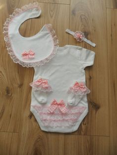 Friendly Romany Baby Girl 9 M Clothing, Shoes & Accessories