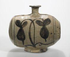 'Rice Bale' Bottle - Korea Mt. Keryong, Yi Dynasty - Minneapolis Institute of Arts