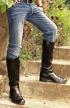 Levi's in boots. A classic look ?
