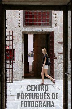 Bem no centro do Porto, mesmo ao lado da Torre dos Clérigos, o bonito edifício da antiga Cadeia da Relação alberga hoje o Centro Português de Fotografia.