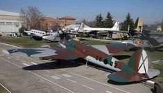 Luftwaffe, Spanish Air Force, Armored Vehicles, Fighter Jets, Aircraft, Frases, Air Force, Aviation Art, Lineman