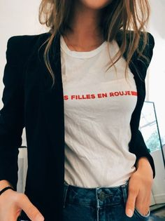 Fashion Gone rouge || white graphic tee paired with women's blazer || casual outfit || how to style a t-shirt