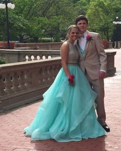 Tan Tuxedo paired with Turquoise for Prom Perfection! Tan Tuxedo, Prom Couples, Prom Dresses 2017, Prom Ideas, Country Chic, Quinceanera, Affair, Turquoise, Formal