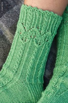 Ravelry: Blattwerk pattern by Stephanie van der Linden Loom Knitting, Knitting Socks, Hand Knitting, Knitting Machine, Vintage Knitting, Crochet Socks, Knit Crochet, Knit Socks, Knitted Slippers