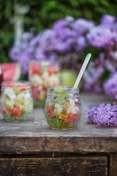 Sommer, Sonne, Salat. So war das oder? Es gibt Tage, da ist es so warm, dass wir eine kleine Erfrischung brauchen. Ein kühler Salat für einen kühlen Kopf. Tadaaaaaa…der Salat ist fertig. Soba…