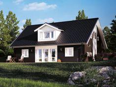 Aria ett stort kvadratiskt hus med möjlighet att inreda vinden