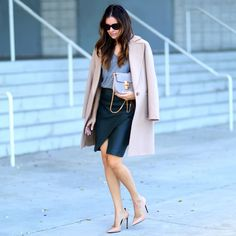 Theory coat, Current/Elliot skirt, Chloé Drew small leather shoulder bag #StreetStyle
