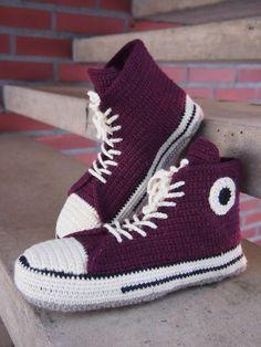 Virkatut tennarit  (koko 39-40)   Tarvitset:  Novita 7 veljestä -lankaa vaaleanruskeaa n. 90g, valkoista 60g, mustaa n. 15g, vii... Crochet Socks, Converse Chuck Taylor, Crochet Projects, Diy And Crafts, High Top Sneakers, Slippers, Knitting, Shoes, Cellulite
