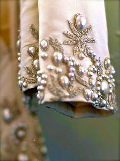 http://chiffonandribbons.tumblr.com/post/68031614552/oscar-de-la-renta-bridal-2013