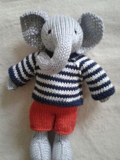 Ravelry: elemjay's Boy Elephant in a textured sweater Knitting Toys, Knitting Ideas, Baby Knitting, Knitting Patterns, Knit Animals, Animals And Pets, Elephant Sweater, Little Cotton Rabbits, Bunny Rabbits