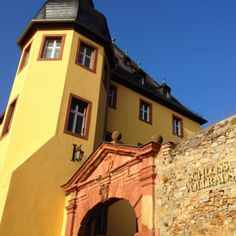 It was such a beautiful day at the Castle Schloss Vollrads today! Join us at: www.facebook.com/schlossvollrads
