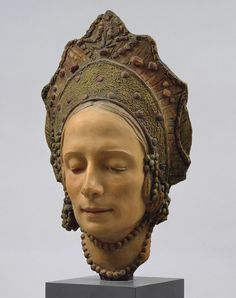 death mask of Ana Pavlova with ornamentation