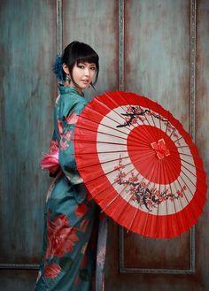 kimono and wagasa #Japan #Japanese #TravelJapan #JapanVacation #Thailand #Phuket #PhuketGolfing #Golf #GolfVacation #BeachVacation