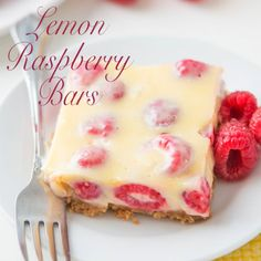 Lemon Raspberry Bars - Raspberries - Ideas of Raspberries - This is the number one most requested dessert by all of our friends and family Lemon Raspberry Bars with a buttery graham cracker crust! No Bake Desserts, Easy Desserts, Delicious Desserts, Yummy Food, Baking Desserts, Tasty, Lemon Raspberry Bars, Raspberry Desserts, Lemon Bars