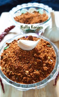 Vasusvegkitchen: Nalla Karam Podi || Andhra Style Nalla Karam Podi || nalla karam podi for idli, dosa and rice Spice Mixes, Spice Blends, Podi Recipe, Great Recipes, Amazing Recipes, Good Food, Yummy Food, Food Lab, Recipe Please