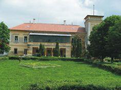 are un număr de 215 paturi şi este situat la 38 km de Cluj