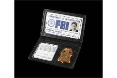 THE X-FILES (1993-2002) - Fox Mulder's (David Duchovny) FBI Photo ID and Badge Prop