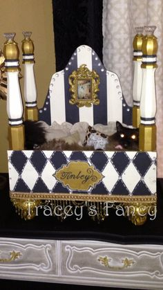 Custom made Cat Bed or Dog Bed by TraceysFancy on Etsy Custom Dog Beds, Designer Dog Beds, Diy Dog Bed, Dog Furniture, Cat Dog, Animal Projects, Pretty Cats, Diy Stuffed Animals, Pet Beds