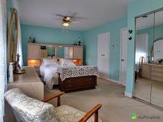 Chambre à coucher principale Bungalow, Bed, Furniture, Home Decor, Home Decoration, Decoration Home, Room Decor, Home Furniture, Interior Design