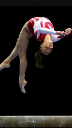 Amazing Gymnastics Photos: Nastia Liukin (USA) performing a layout step-out on the balance beam Gymnastics Tricks, Gymnastics Pictures, Sport Gymnastics, Olympic Gymnastics, Olympic Sports, Olympic Games, Gymnastics Flexibility, Women's Gymnastics, Nastia Liukin
