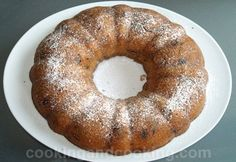 Date Cake. Here is a very easy to make date and walnut cake. Just Desserts, Delicious Desserts, Dessert Recipes, Yummy Food, Healthy Food, Healthy Cake, Homemade Cake Recipes, Pound Cake Recipes, Pound Cakes
