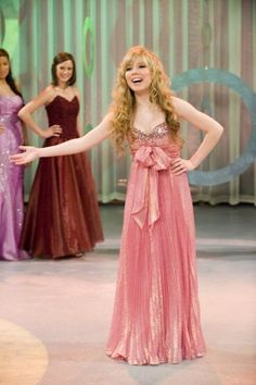 8 Common Pageant Answers That Make You Sound Boring