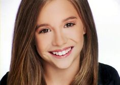 This is Mackenzie Ziegler, a fellow dancer of Abby Lee Dance Company, has a singing and dancing career. Mackenzie Ziegler Dance, Maddie And Mackenzie, Maddie Ziegler, Dance Moms Dancers, Dance Mums, Dance Moms Girls, Dance Moms Pyramid, Dance Moms Headshots, Mack Z