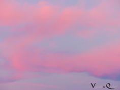November Im-/Depressionen: Sonnenuntergang mal kitschig - Serenity und Rose Quartz am Himmel