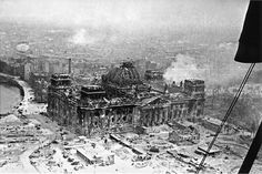 Fascinating pictures have emerged illustrating a Red Army soldier's personal account of how Soviet troops stormed the Reichstag in Berlin. An aerial view of the German parliament building is shown after the battle Ddr Brd, Historia Universal, History Images, War Photography, Historical Pictures, Berlin Germany, Germany Area, Red Army, Military History