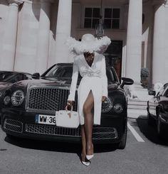 Wealthy Lifestyle, Luxury Lifestyle Women, London Lifestyle, Bougie Black Girl, Black Girl Aesthetic, White Aesthetic, Luxury Dress, Sem Internet, Business Women