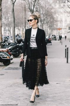 These are the 5 best looks from haute couture fashion week. I'm so jealous with all these gorgeous outfits. Fashion Week Paris, Paris Street Fashion, Look Fashion, Trendy Fashion, Fashion Outfits, Fashion Trends, Vintage Fashion, Fashion Black, Fashion 2018
