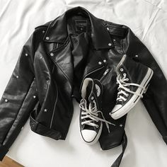 """1,422 curtidas, 14 comentários - ALINE ZOTTI (@alinezotti_) no Instagram: """"uniforminho."""" Cool Instagram Pictures, 1, Leather Jacket, Jackets, Clothes, Style, Fashion, Outfits, Pictures"""
