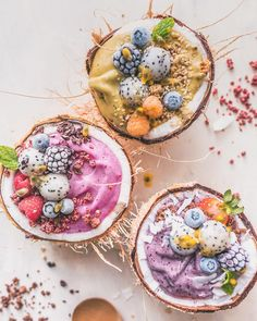 Coconut Smoothie Bowls! YAY or NAY?✨ Matcha, pink pitaya and blueberry.