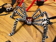 Kaštanoví pavouci a netopýři   Kreativní Brabec Tigger, Halloween, Disney Characters, Art, Art Background, Kunst, Performing Arts, Spooky Halloween, Art Education Resources