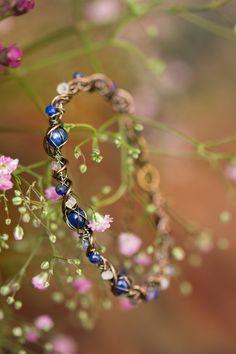 Bracelet lapis-lazuli labradorite pierre de lune tanzanite . Parangon du clair de lune .