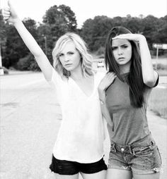 blondes women actress celebrity grayscale Nina Dobrev singers monochrome Candice Accola The Vampire Diaries - Wallpaper ( / Wallbase. Vampire Diaries Besetzung, Vampire Diaries The Originals, Nina Dobrev Vampire Diaries, Damon Salvatore, Delena, Elena E Damon, Carlo Rivera, Vampire Daries, Vampire Girls