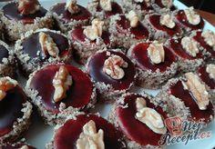 Sváteční išelské dortíky | NejRecept.cz Muffin, Breakfast, Cookies, Recipes, Food, Healthy Recipes, Treats, Morning Coffee, Crack Crackers