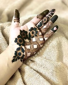 Henna Designs For Kids, Modern Henna Designs, Latest Henna Designs, Henna Tattoo Designs Simple, Stylish Mehndi Designs, Mehndi Design Photos, Beautiful Henna Designs, Mehndi Designs For Fingers, Best Mehndi Designs