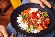 Dýňové karí je dokonalý komfort food, můžete na něm přečkat celý podzim i zimu. Jednou si do něho přidejte krevety, jindy kousky kuřete nebo na kostičky pokrájené mango. Variant je nekonečno. Ethnic Recipes, Food, Eten, Meals, Diet