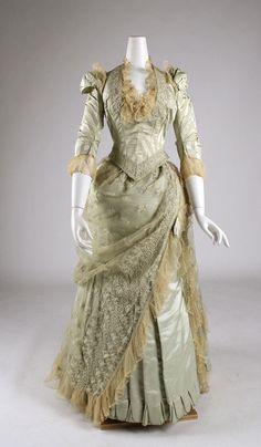 1880-85 dress