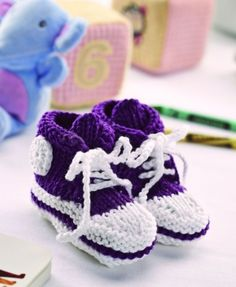 Knit Baby High Top Bootees free pattern