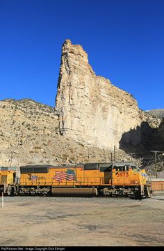 RailPictures.Net Photo: UP 3973 Union Pacific EMD SD70M at Helper, Utah by Dick Ebright Union Pacific Railroad, Abandoned Train, Oakland California, Train Pictures, Train Station, Cityscapes, Locomotive, Utah, Trains