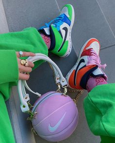 Always match your bag to your shoes. Cute Sneakers, Shoes Sneakers, Sneakers Fashion, Fashion Shoes, Nike Air Shoes, Aesthetic Shoes, Hype Shoes, Fresh Shoes, Mode Style
