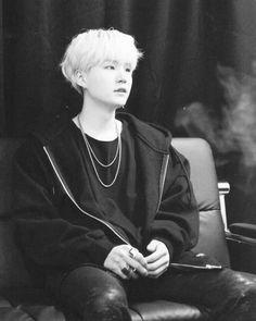 My name is Park Jimin.My daddy named is Min Yoongi.I love him since w… # Fiksi Penggemar # amreading # books # wattpad Bts Suga, Min Yoongi Bts, Bts Bangtan Boy, Namjoon, Seokjin, Taehyung, Foto Bts, Bts Photo, Daegu
