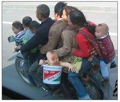 9 Personen auf einem Motorrad - ächz...
